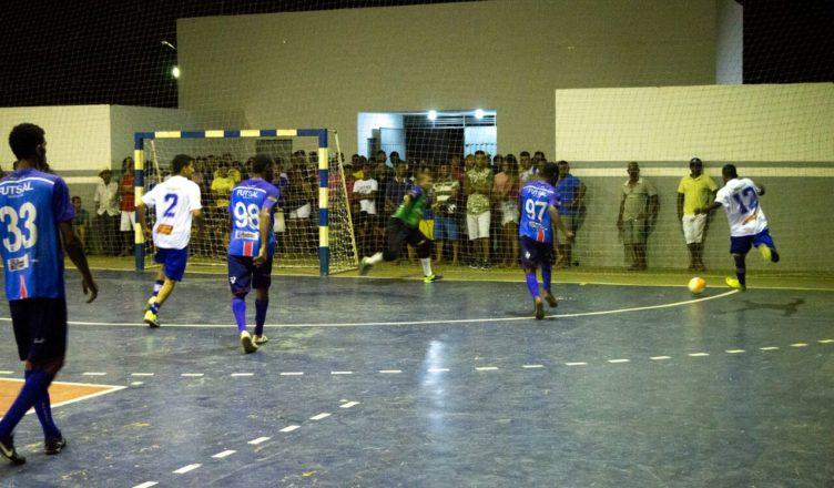 2acfbbb560e88 Campeonato Municipal de Futsal Masculino 2018 inicia em Sento-Sé ...